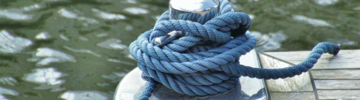 Seil im Hafen