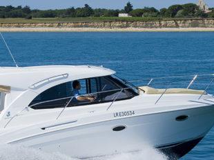 Motorboot Antares 30S